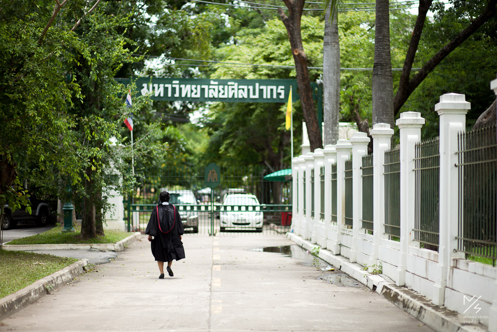 silpakorn university graduation ging 18