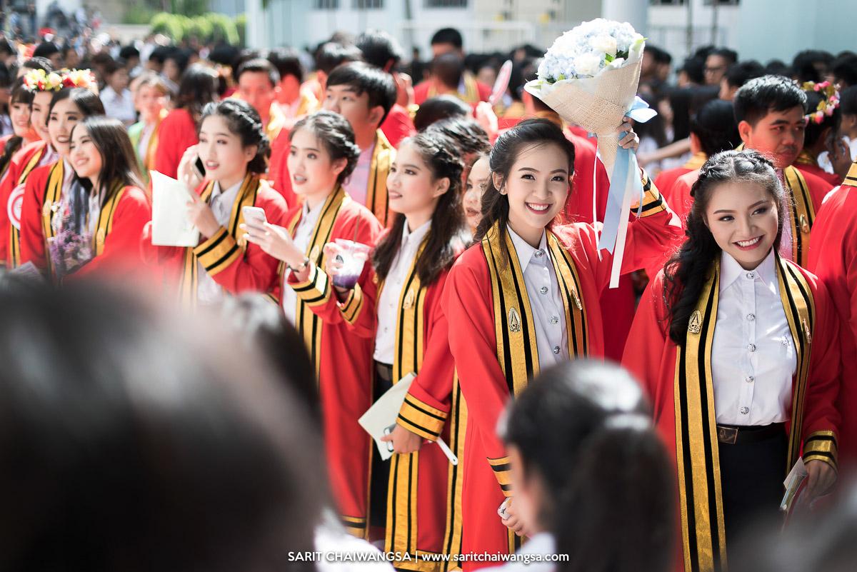 รับปริญญาบางมด มหาวิทยาลัยเทคโนโลยีพระจอมเกล้าธนบุรี บัณฑิตบางมด น้องเตย